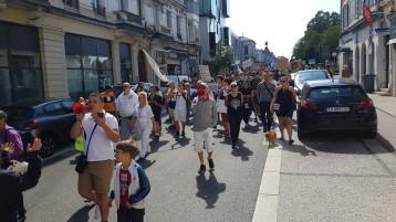 les-manifestants-defilent-aux-cris-de-quot-resistance-quot-et-quot-ne-nous-regardez-pas-rejoignez-nous-quot-quot-le-pass-sanitaire-on-n-en-veut-pas-quot-scande-la-foule-photo-progres-frederic-boudouresque-1630155917